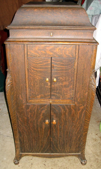 Victrola Xvi Oak L Door For Sale